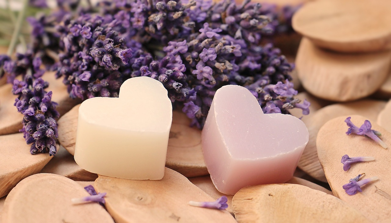 Dlaczego warto stosować naturalne produkty do mycia