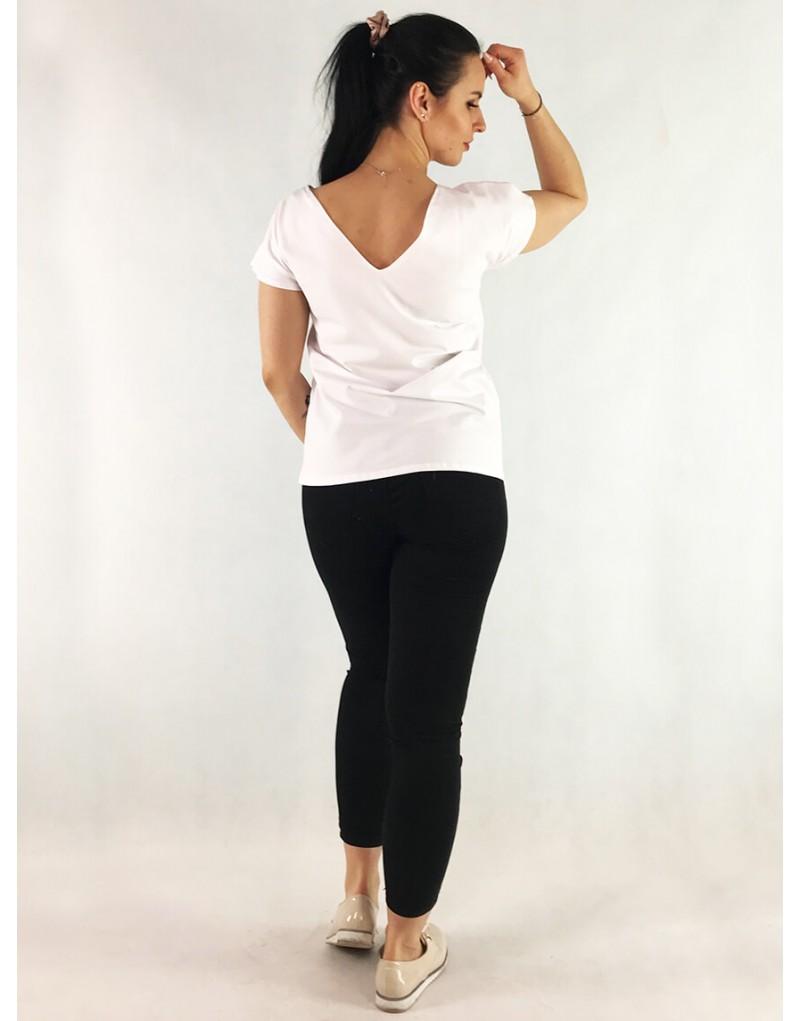 Odpowiednie ubrania ułatwiają kobietom proces karmienia piersią