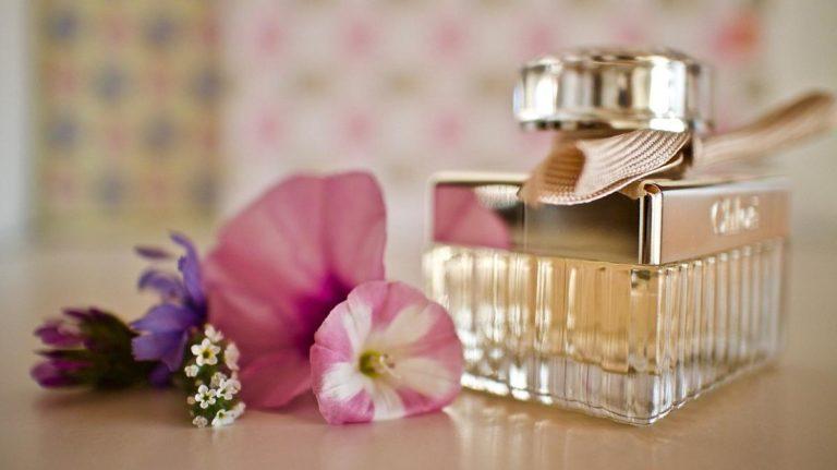Wiele osób używa perfum każdego dnia