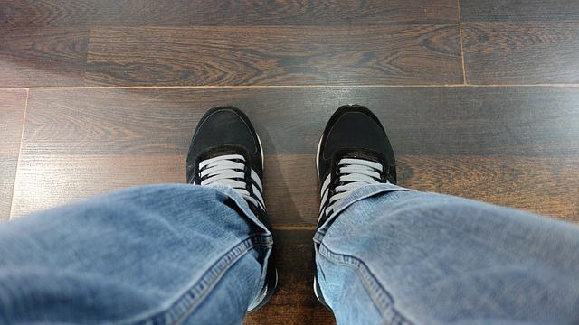 W jaki sposób wybierać materiał na podłogę